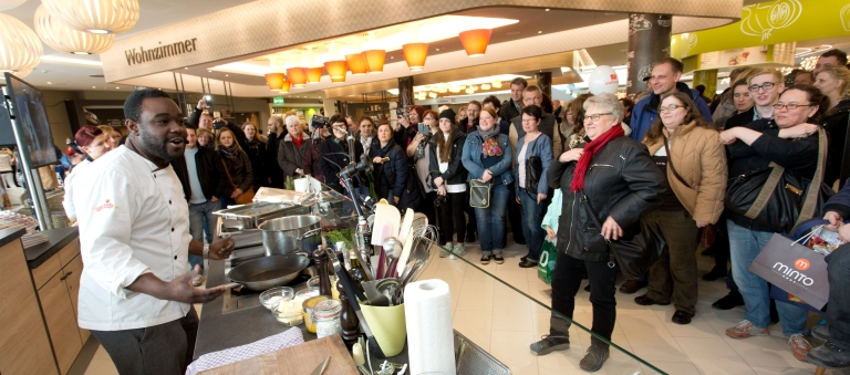 """Events like cooking demonstrations take place in both the shopping concourse and in the dining area """"Mintos Deli."""" Image: Alina Cara Tobi"""