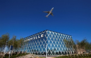 Aéroville in Paris offers easy access for tourists from the Charles-de-Gaulle-airport and nearby hotels. Free shuttles are available for them every day, including Sunday, between 10 am and 11 pm. Image: Unibail-Rodamco