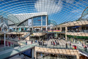 Trinity Leeds as a destination for tourists with a soft spot for cycling: In July 2014, Leeds kicked off the Grand Départ for the Tour de France. The shopping center was a designated hub for the event, for example housing one of the first-ever pop-up shops dedicated to the Tour de France. Image: Land Securities