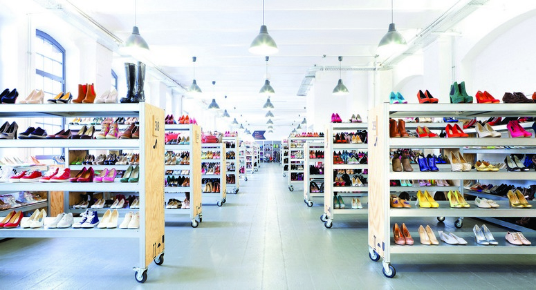 Zalando's first bricks-and-mortar store was clearly designed for a factory outlet center.Image: Zalando