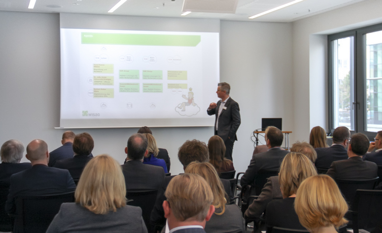 The innovation incubator was received enthusiastically once again in 2017. Bennet van Well, of the consulting company Metaplan, moderated the event. Image: Wisag