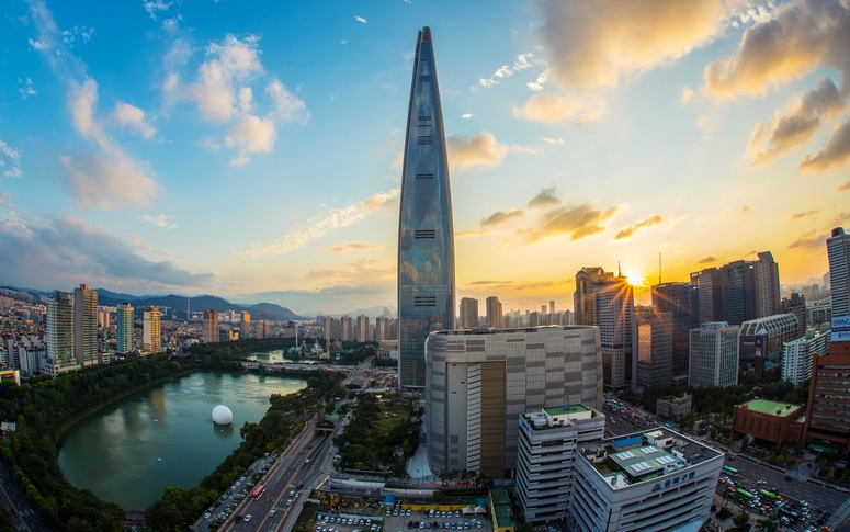 Lotte World Tower Seoul Image: Pixabay