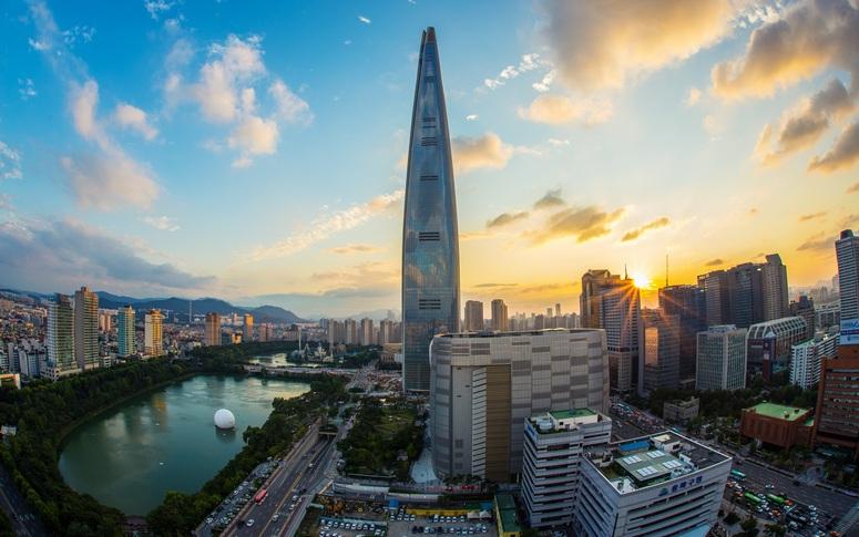 Lotte World Tower Seoul Image: Pixabay