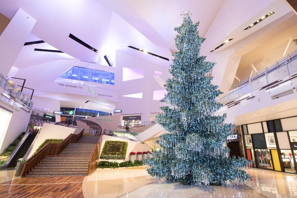Spectacular Festive Season Feature for the Las Vegas 'Shops