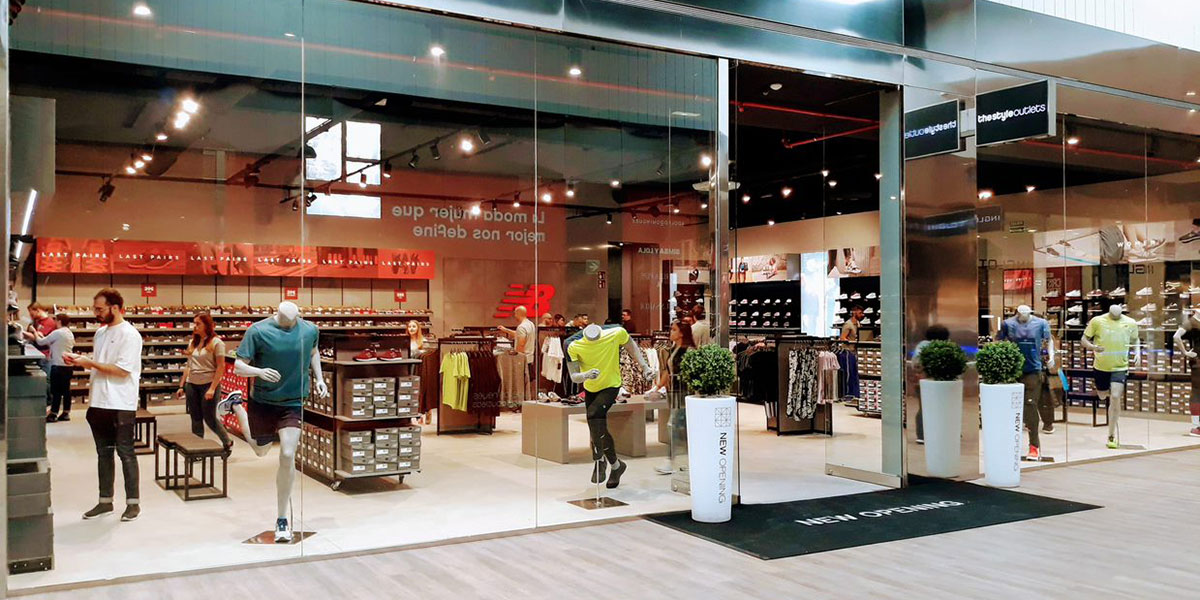 Significado Pera Suposición  New Balance opens its largest outlet store in Iberia at San Sebastian de  los Reyes The Style Outlets in Madrid - ACROSS | The European Placemaking  Magazine